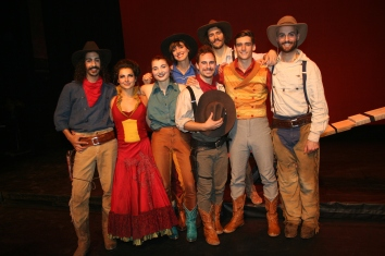 Actores de Saloon, Circo Eloize