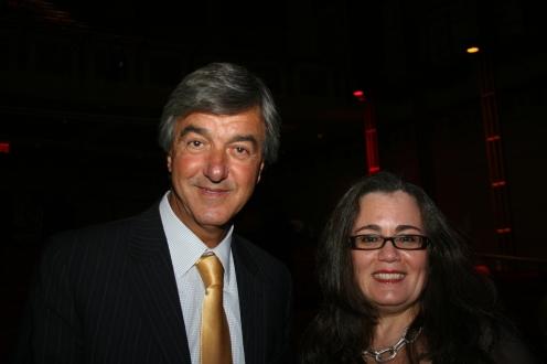 Henri Elbaz, presidente de la comunidad sefaradí unida de Quebec y la Señora Habiba Zemmouri, cónsul general del Reino de Marruecos